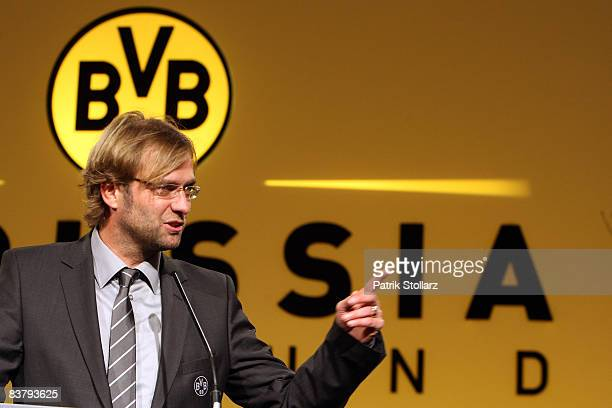 Head coach Juergen Klopp speaks to the audience during the Borussia Dortmund General Annual Meeting at the Westfalenhalle on November 23, 2008 in...