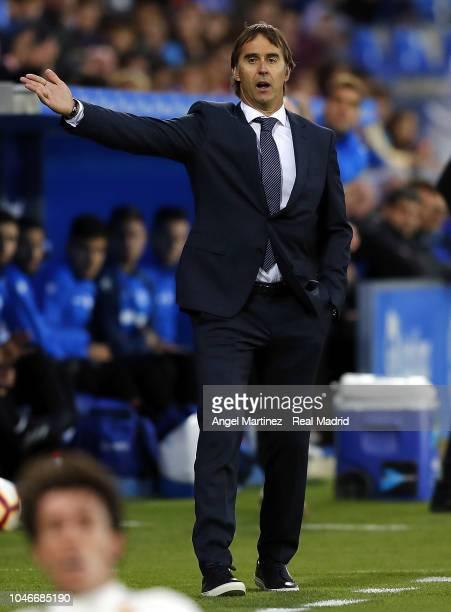 Head coach Julen Lopetegui of Real Madrid gestures during the La Liga match between Deportivo Alaves and Real Madrid at Estadio de Mendizorroza on...