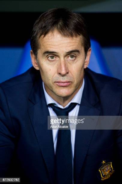 Head coach Julen Lopetegui of Spain looks on prior to the start the international friendly match between Spain and Costa Rica at La Rosaleda Stadium...