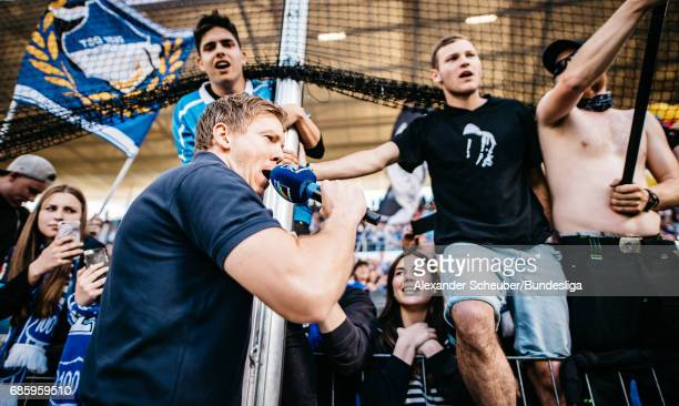 Head coach Julian Nagelsmann of Hoffenheim celebrates with the fans during the Bundesliga match between TSG 1899 Hoffenheim and FC Augsburg at Wirsol...