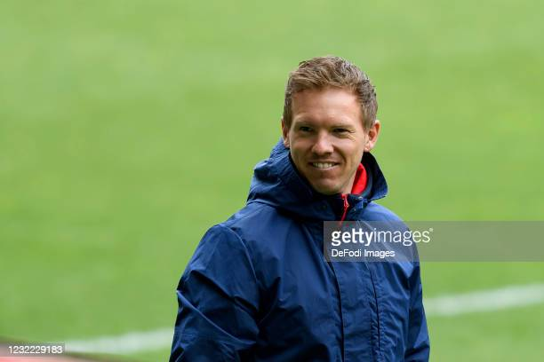Head coach Julian Nagelsmann of RB Leipzig looks on during the Bundesliga match between SV Werder Bremen and RB Leipzig at Wohninvest Weserstadion on...
