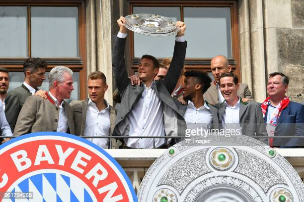 Head coach Jupp Heynckes of Muenchen Joshua Kimmich of Muenchen Goalkeeper Manuel Neuer of Muenchen Kingsley Coman of Muenchen and Sebastian Rudy of...