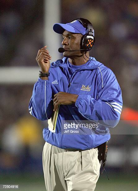 Head coach Karl Dorrell of the UCLA Bruins watches the action during the game against the California Golden Bears at Memorial Stadium on November 4...