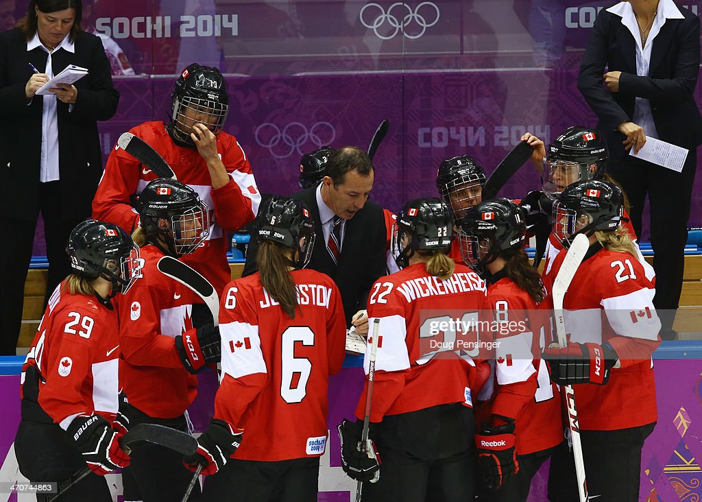 Ice Hockey - Winter Olympics Day 13 - Canada v United States : News Photo