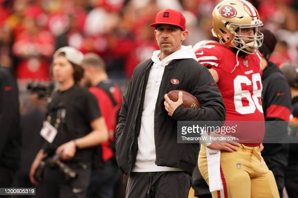 Head coach Kyle Shanahan of the San Francisco 49ers looks on during warm ups prior to their game against the Green Bay Packers in the NFC...