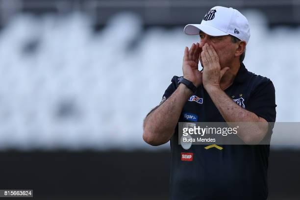 Head coach Levir Culpi of Santos reacts during a match between Vasco da Gama and Santos as part of Brasileirao Series A 2017 at Nilton Santos Stadium...