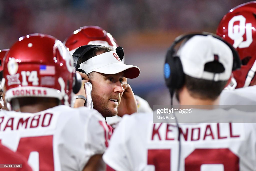 College Football Playoff Semifinal at the Capital One Orange Bowl - Alabama v Oklahoma : News Photo