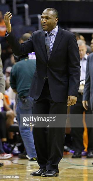 Head coach Lindsey Hunter of the Phoenix Suns motions to an offical during the second half of the Suns 127105 loss to the Washington Wizards at...