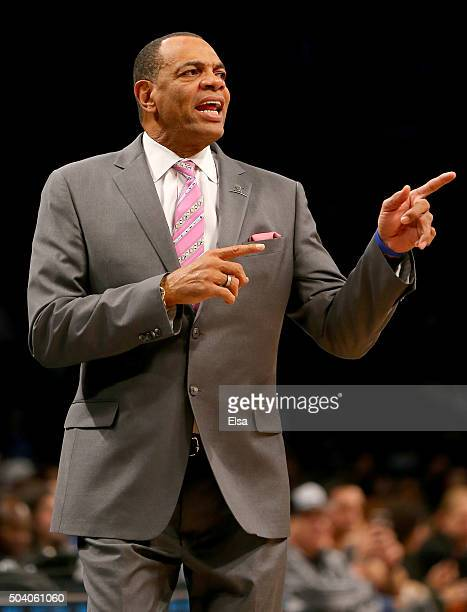 Head coach Lionel Hollins of the Brooklyn Nets calls out the play in the final seconds of the first quarter against the Orlando Magic on January...