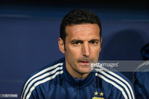 Head Coach Lionel Scaloni of Argentina looks on prior to the International Friendly match between Argentina and Venezuela at Estadio Wanda...
