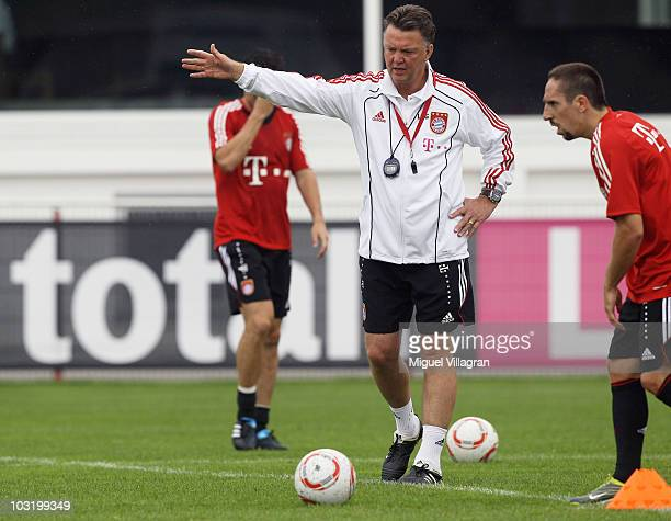 Head coach Louis van Gaal of Bayern Muenchen instructs the players during a training session at training ground at Saebener Strasse on August 2 2010...
