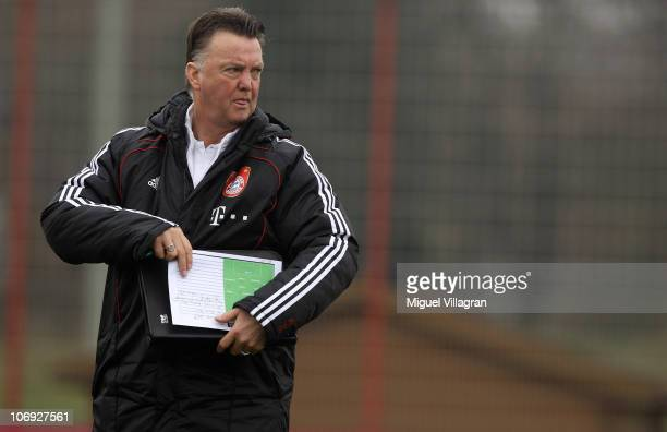Head coach Louis van Gaal of Bayern Muenchen leaves the pitch after the friendly match between FC Bayern Muenchen and SpVgg Unterhaching on November...