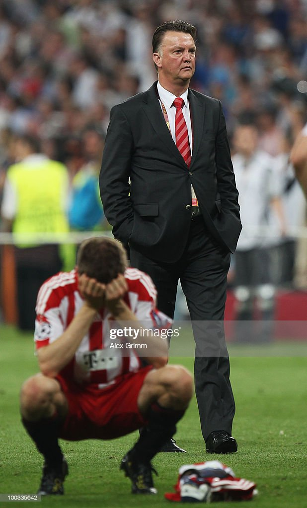 Head coach Louis van Gaal of Bayern Muenchen looks dejected after their defeat at the end of the UEFA Champions League Final match between FC Bayern Muenchen and Inter Milan at the Estadio Santiago Bernabeu on May 22, 2010 in Madrid, Spain.