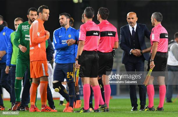 head coach Luciano Spalletti of FC Internazionale shankes hands with referee after the Serie A match between Hellas Verona FC and FC Internazionale...