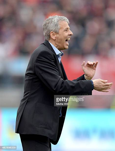 Head coach Lucien Favre of Moenchengladbach reacts during the Bundesliga match between 1 FC Nuernberg and Borussia Moenchengladbach at Grundig...
