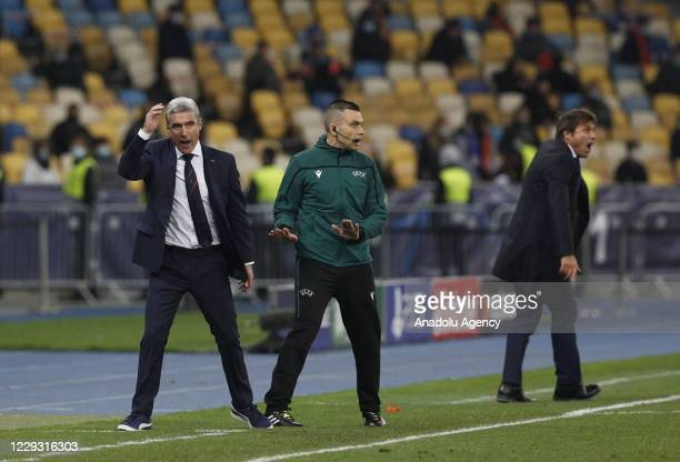 Head coach Luis Castro of Shakhtar Donetsk and the head coach Antonio Conte of Inter react during the UEFA Champions League Group B football match...