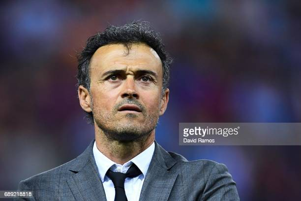 Head coach Luis Enrique of FC Barcelona looks on during the Copa Del Rey Final between FC Barcelona and Deportivo Alaves at Vicente Calderon stadium...