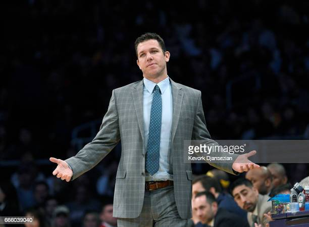 Head coach Luke Walton of the Los Angeles Lakers reacts from the bench during the second half of the basketball game against Sacramento Kings at...