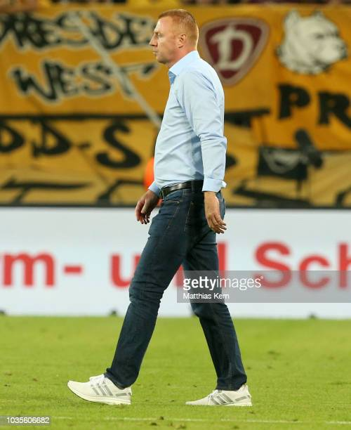 Head coach Maik Walpurgis of Dresden looks on after the Second Bundesliga match between SG Dynamo Dresden and Hamburger SV at DDVStadion on September...