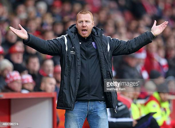 Head coach Maik Walpurgis of Osnabrueck gestures during the third league match between FC Energie Cottbus and VFL Osnabrueck at Stadion der...