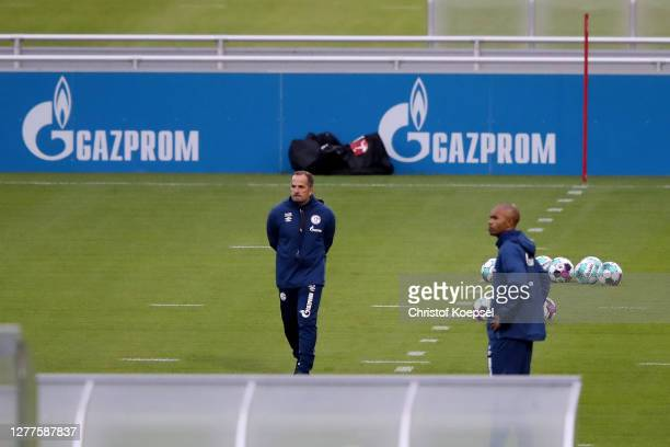 Head coach Manuel Baum and Naldo, assistant coach attend the training session of FC Schalke 04 at Parkstadion on September 30, 2020 in Gelsenkirchen,...