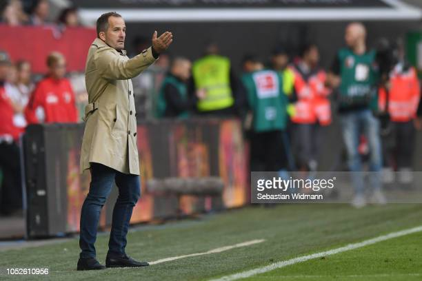 Head coach Manuel Baum of Augsburg gives his team instructions during the Bundesliga match between FC Augsburg and RB Leipzig at WWK-Arena on October...