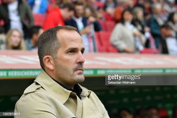 Head coach Manuel Baum of Augsburg looks on prior to the Bundesliga match between FC Augsburg and RB Leipzig at WWK-Arena on October 20, 2018 in...