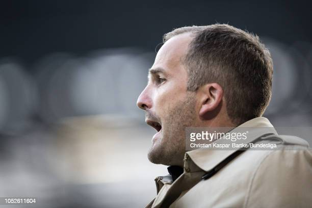 Head coach Manuel Baum of FC Augsburg reacts during the Bundesliga match between FC Augsburg and RB Leipzig at WWK-Arena on October 20, 2018 in...