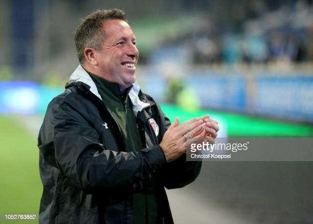 Head coach Marc Kauczinski of St Pauli celebrates after winning 10 the Second Bundesliga match between MSV Duisburg and FC St Pauli at...