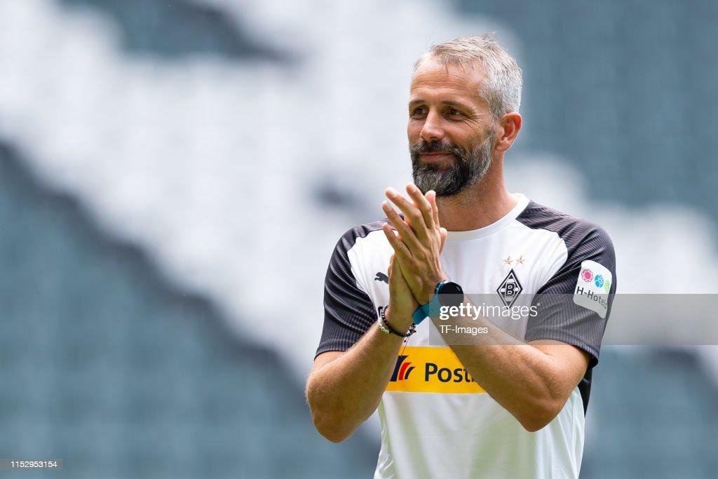 Borussia Moenchengladbach Training Session : Nachrichtenfoto