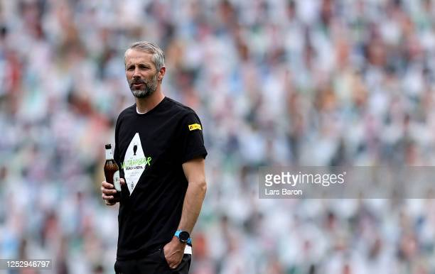 Head coach Marco Rose of Moenchengladbach celebrates with his players after winning the Bundesliga match between Borussia Moenchengladbach and Hertha...