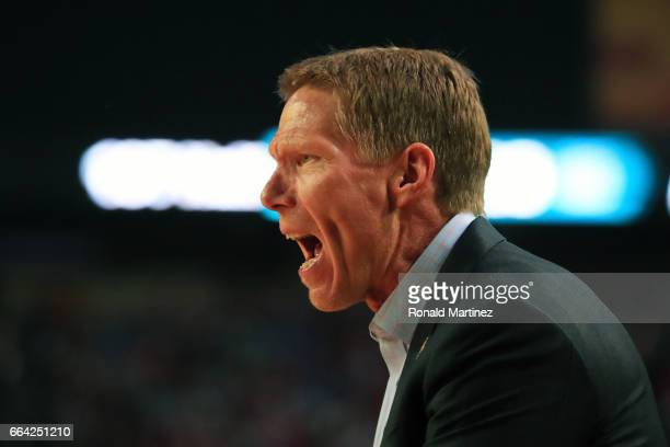 Head coach Mark Few of the Gonzaga Bulldogs instructs his team against the North Carolina Tar Heels during the first half of the 2017 NCAA Men's...