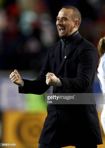 Head coach Mark Sampson of England celebrates the win over the United States during the SheBelieves Cup at Red Bull Arena on March 4 2017 in Harrison...