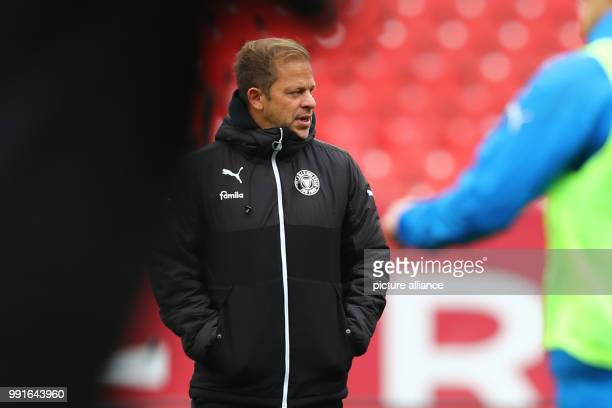 Head coach Markus Anfang of Kiel can be seen before the 2 German Bundesliga match between 1 FC Nuremberg and Holstein Kiel at the Max Morlock Stadium...