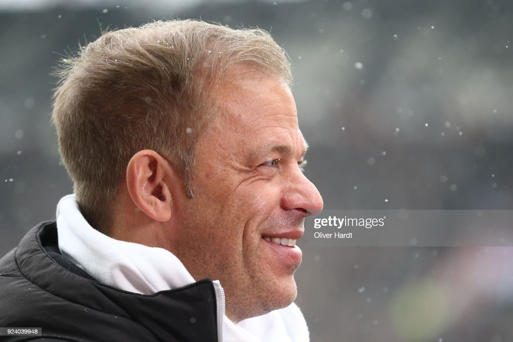 Head coach Markus Anfang of Kiel looks on prior to the Second Bundesliga match between FC St. Pauli and Holstein Kiel at Millerntor Stadium on February 25, 2018 in Hamburg, Germany.
