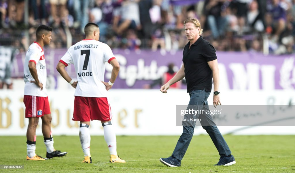 Head coach Markus Gisdol of Hamburg looks dejected after loosing the DFB Cup match between VfL Osnabrueck and Hamburger SV at Osnatel Arena on August 13, 2017 in Osnabrueck, Germany.