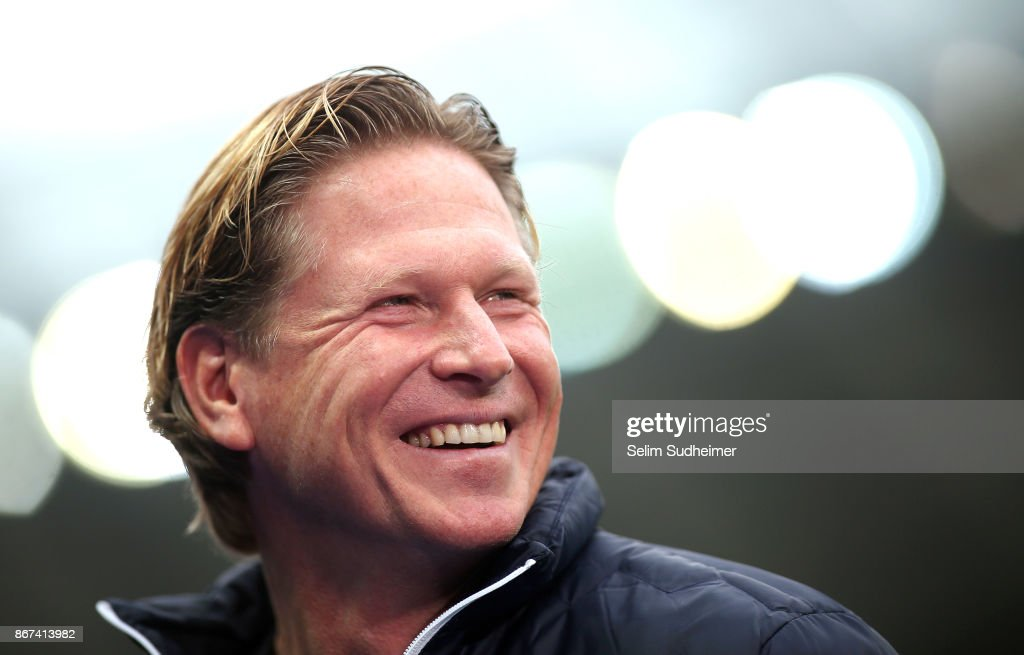 Head coach Markus Gisdol of Hamburger SV is seen prior to the Bundesliga match between Hertha BSC and Hamburger SV at Olympiastadion on October 28, 2017 in Berlin, Germany.