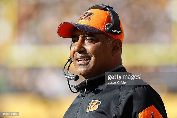 Head Coach Marvin Lewis of the Cincinnati Bengals during the 2nd quarter of the game against the Pittsburgh Steelers at Heinz Field on November 1...
