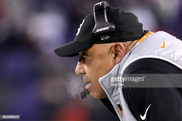 Head coach Marvin Lewis of the Cincinnati Bengals looks on against the Baltimore Ravens at MT Bank Stadium on December 31 2017 in Baltimore Maryland