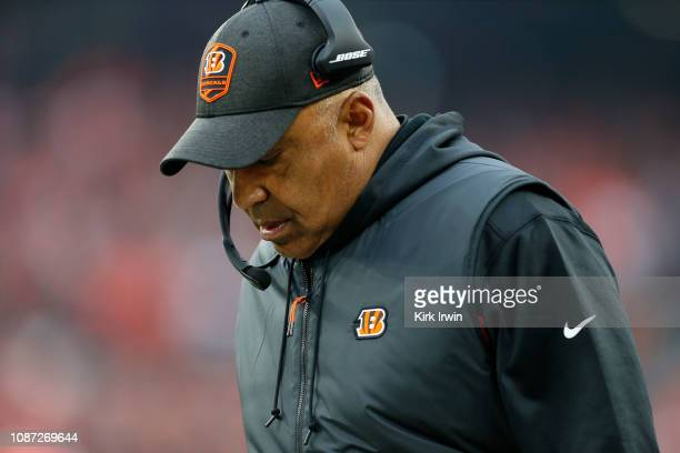 Head coach Marvin Lewis of the Cincinnati Bengals walks on the sideline during the game against the Cleveland Browns at FirstEnergy Stadium on...