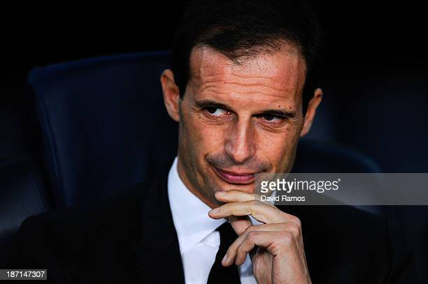 Head coach Massimiliano Allegri of AC Milan looks on during the UEFA Champions League Group H match Between FC Barcelona and AC Milan at Camp Nou on...