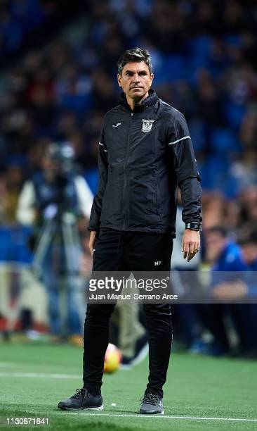 Head coach Mauricio Pellegrino of CD Leganes reacts during the La Liga match between Real Sociedad and CD Leganes at Estadio Anoeta on February 16...