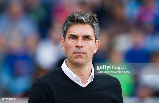 Head coach Mauricio Pellegrino of Deportivo Alaves looks on prior to the start the La Liga match between Real Sociedad de Futbol and Deportivo Alaves...