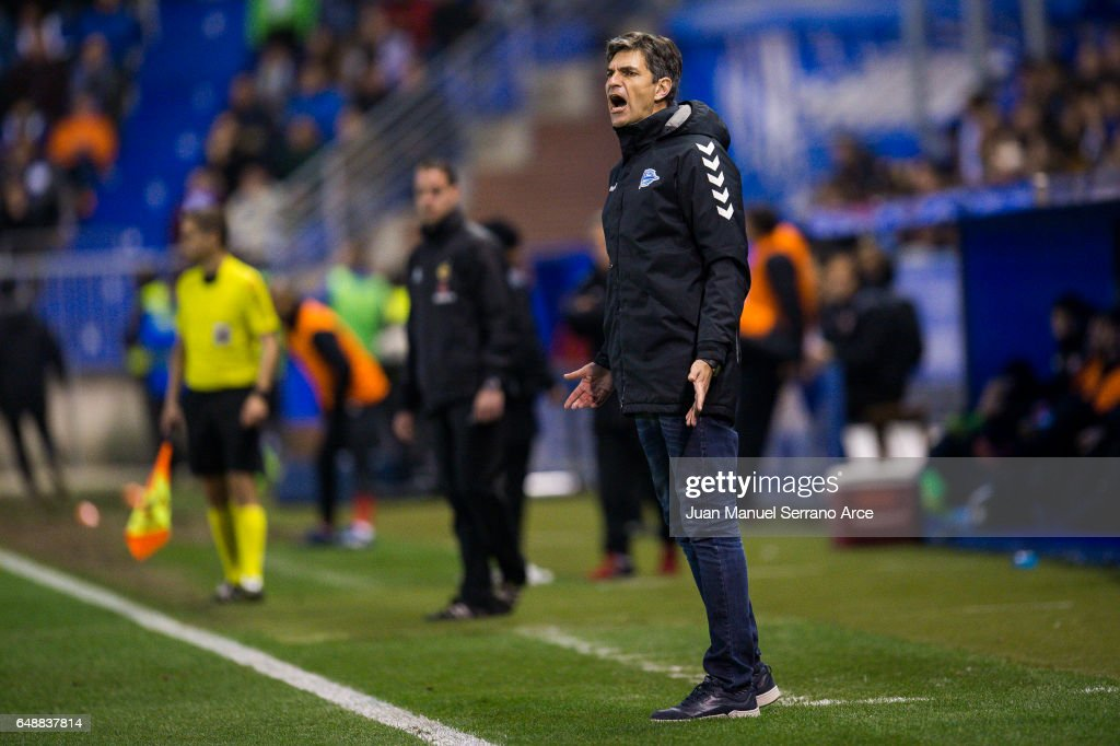 Head coach Mauricio Pellegrino of Deportivo Alaves reacts during the La Liga match between Deportivo Alaves and Sevilla FC at Mendizorroza stadium on March 6, 2017 in Vitoria-Gasteiz, Spain.