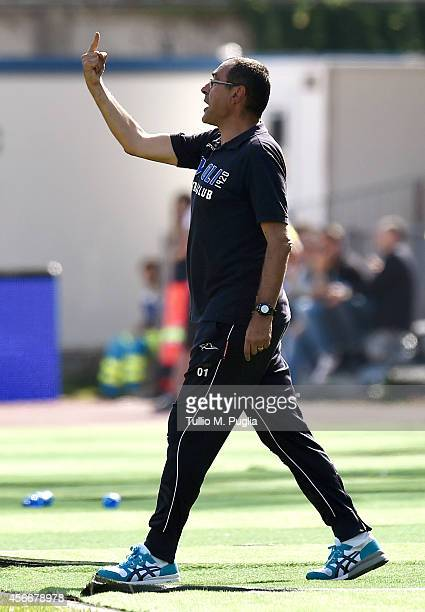 Head coach Maurizio Sarri of Empoli issues instructions during the Serie A match between Empoli FC and US Citta di Palermo at Stadio Carlo Castellani...