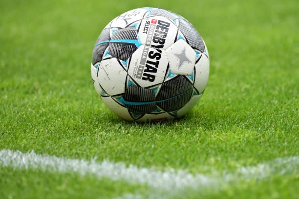 DEU: SSV Jahn Regensburg v SV Darmstadt 98 - Second Bundesliga
