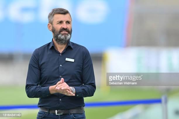 Head coach Michael Köllner of TSV 1860 München looks on prior to the 3. Liga match between TSV 1860 München and 1. FC Kaiserslautern at Stadion an...