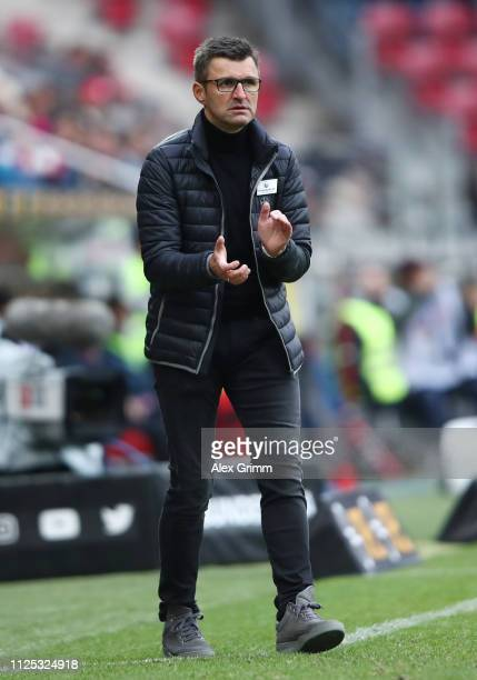 Head coach Michael Koellner of Nuernberg reacts during the Bundesliga match between 1. FSV Mainz 05 and 1. FC Nuernberg at Opel Arena on January 26,...