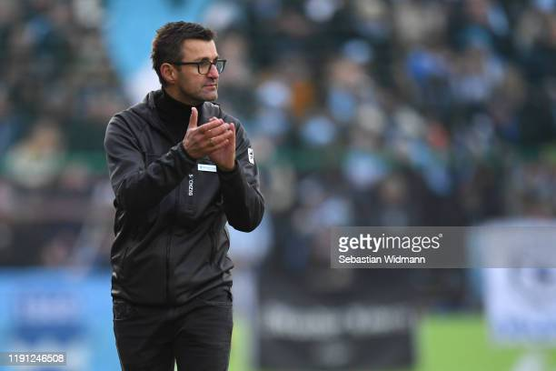 Head coach Michael Koellner of TSV 1860 Muenchen gestures during the 3. Liga match between SpVgg Unterhaching and TSV 1860 Muenchen at Alpenbauer...