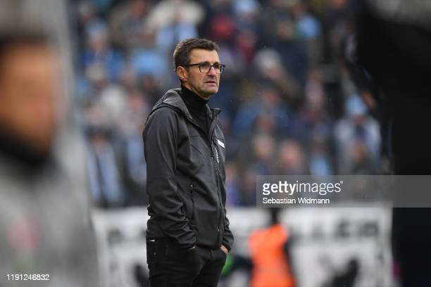 Head coach Michael Koellner of TSV 1860 Muenchen looks on during the 3. Liga match between SpVgg Unterhaching and TSV 1860 Muenchen at Alpenbauer...